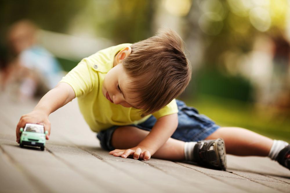 симптомы аутизма у детей до 2 лет